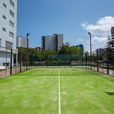 Hotel Tres Anclas paddle tennis courts 2
