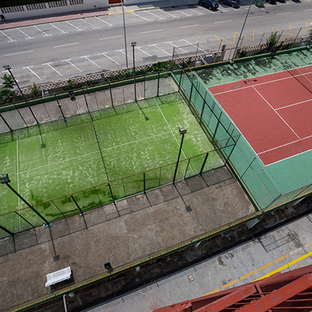 Hotel Tres Anclas paddle tennis courts 3