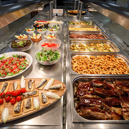 Restaurant buffet at Hotel Tres Anclas 2