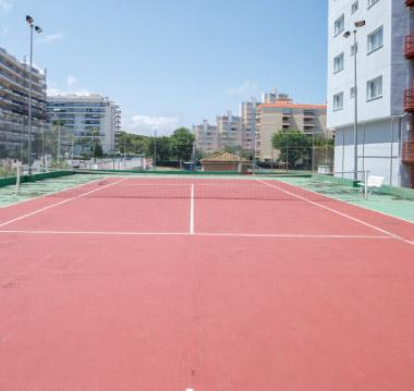 Our tennis courts and paddle tennis courts 3